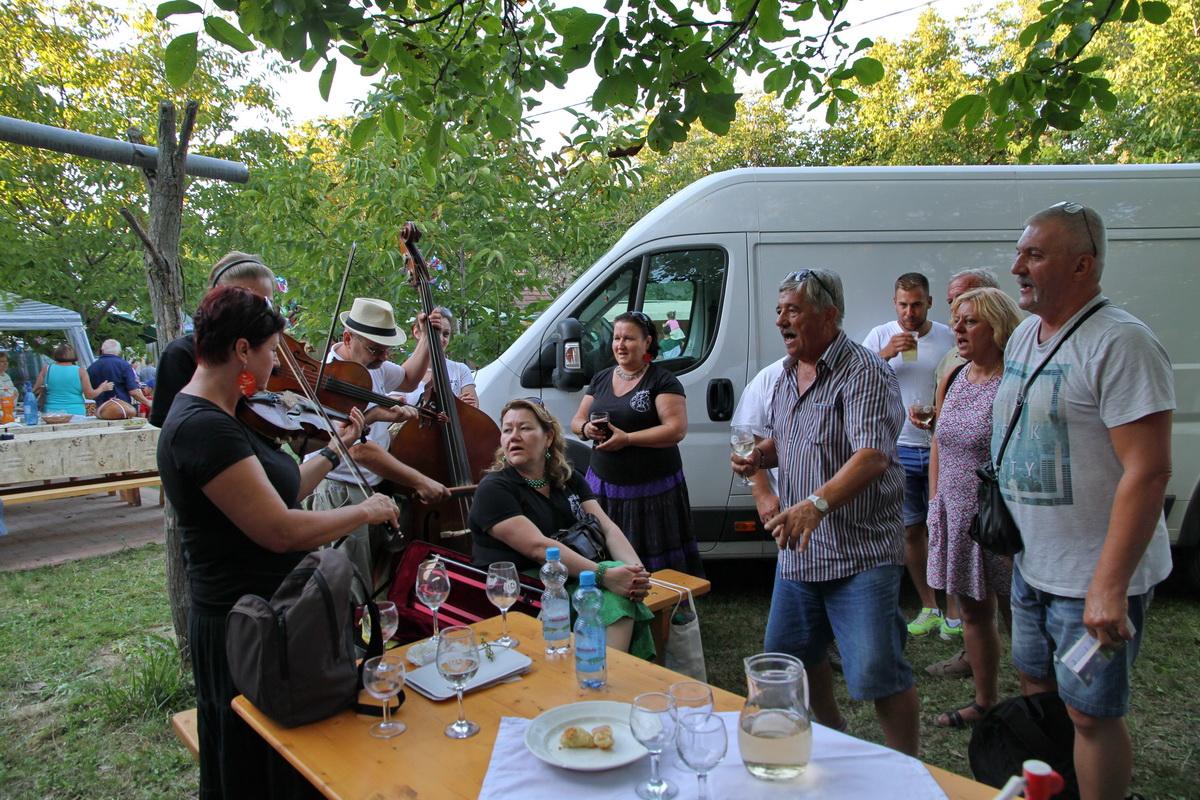 BOR-óka zenekar a bölcskei Pincefalvak Napján