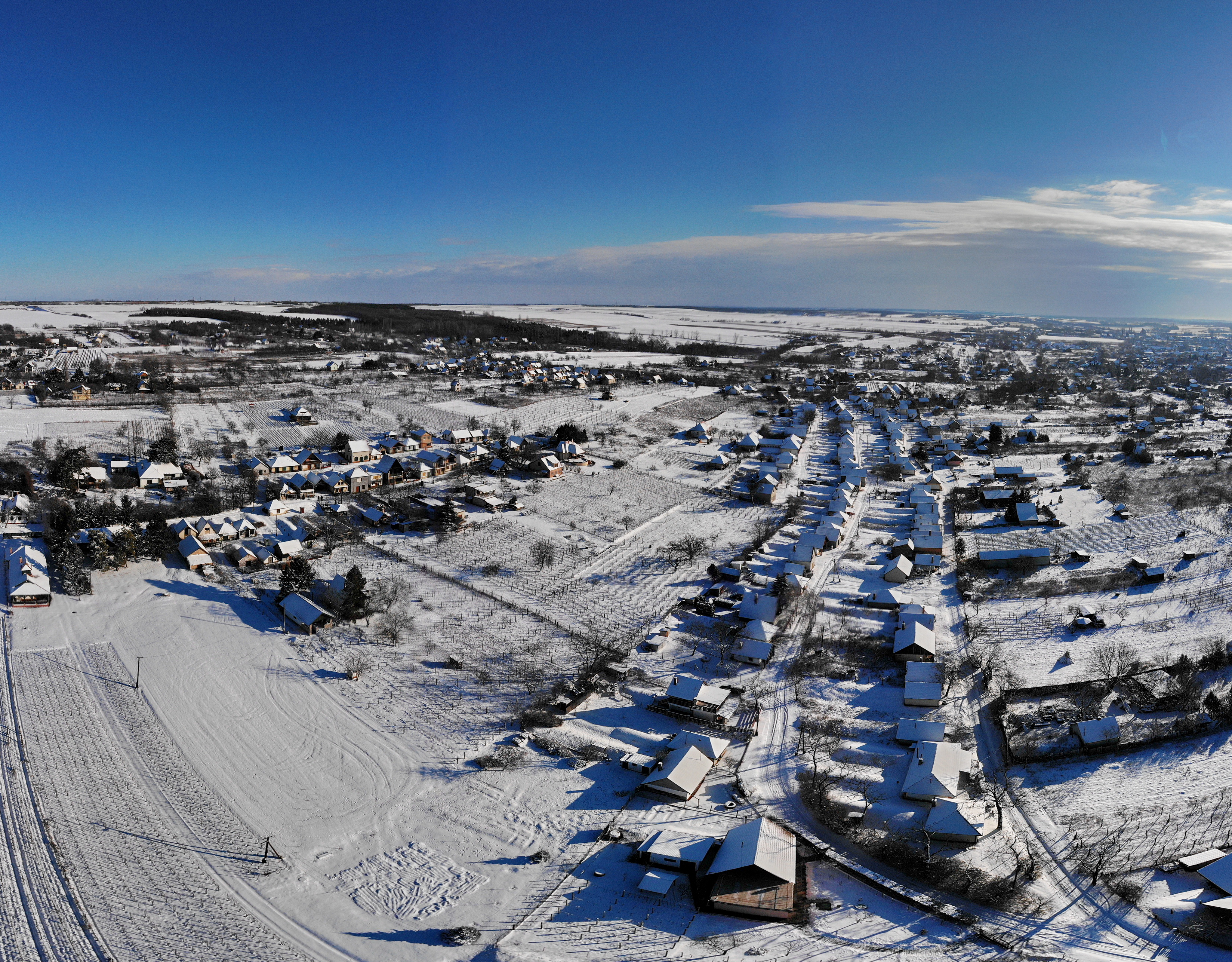 Monori Pincefalu télen, légi fotó