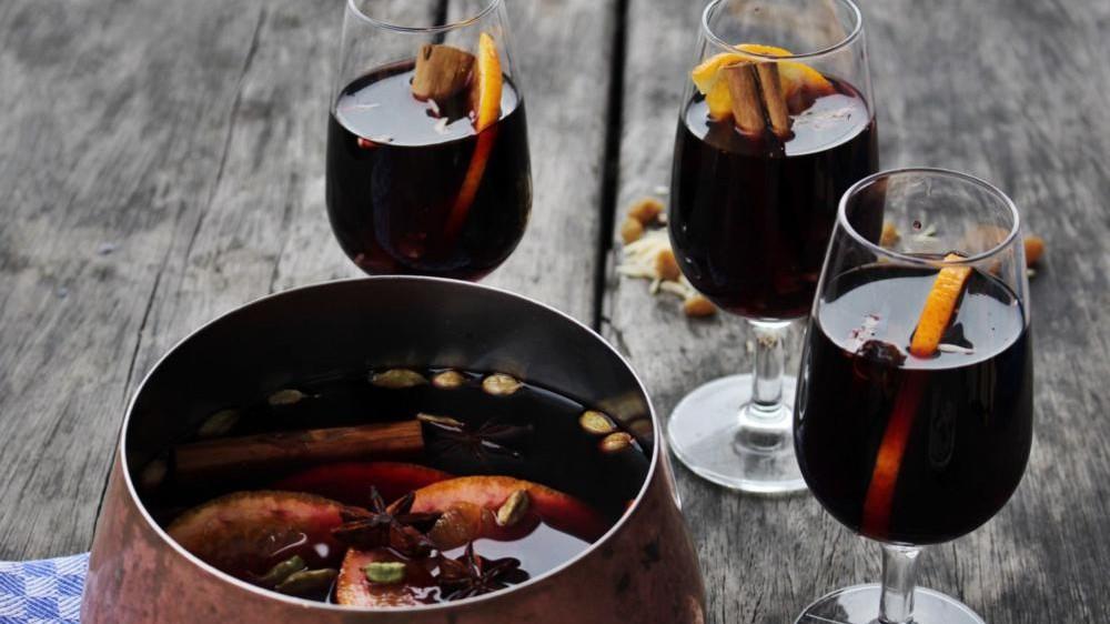 Aszalt gyümölcsös forralt bor