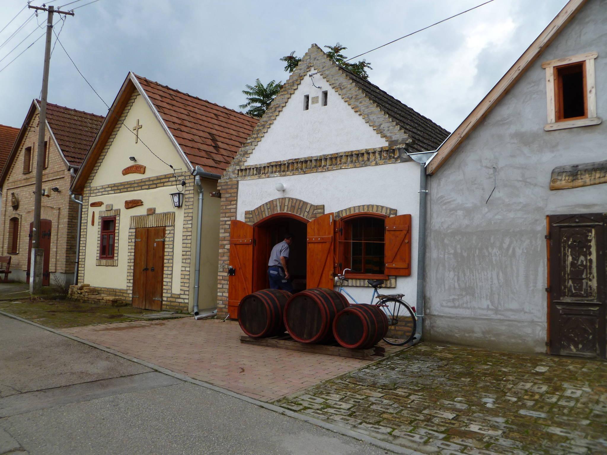 Császártöltés, kalandozások a magyarországi pincefalvakban