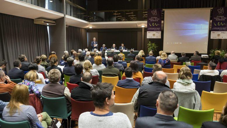 Szakmai sikert hozott az 1. Országos Szőlész – Borász Konferencia