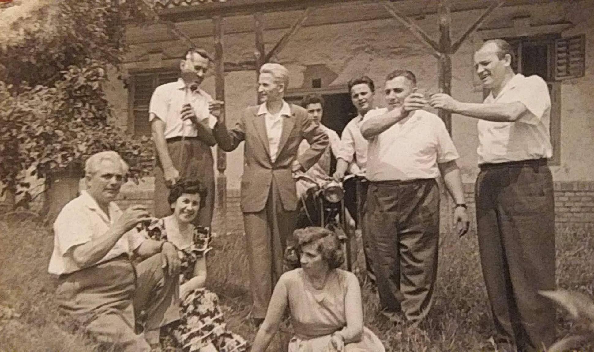 Magyócsi Lajos és Kele János baráti társasága