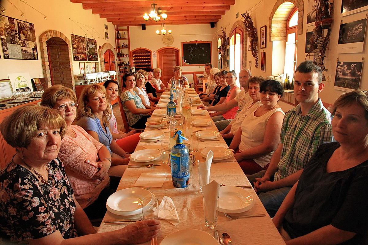 KultPince a kultúra és a bor találkozóhelye