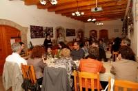 Bortúrák és borkóstolók a Monori Pincefaluban